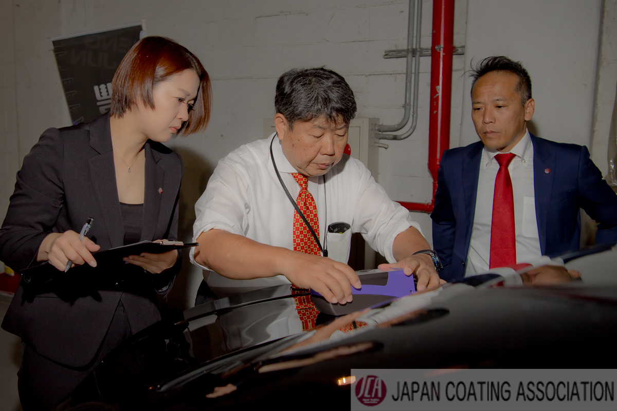 車磨き研磨 「ツヤを測色」するという世界初の独自理論をもとに、JCAオリジナル判定方式を確立